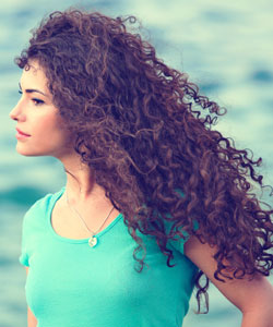 4 Ways to Moisturize Your Curls